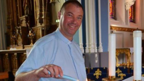 Un preot francez a fost inculpat pentru viol