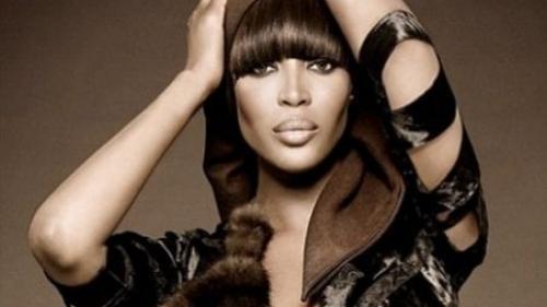 Naomi Campbell cere schimbarea atitudinii faţă de femeile de culoare în industria frumuseţii: ''Noi nu suntem o tendinţă''