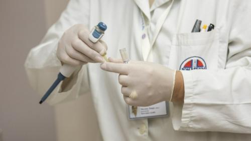 Care sunt simptomele gripei și cum ne protejam