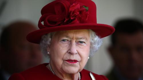 Regina Elisabeta a-II-a şi-a dat oficial consimţământul la căsătoria prinţului Harry cu Meghan Markle