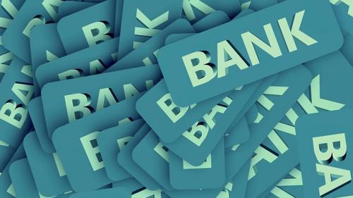 Băncile din România au o expunerea ridicată la sectorul imobiliar