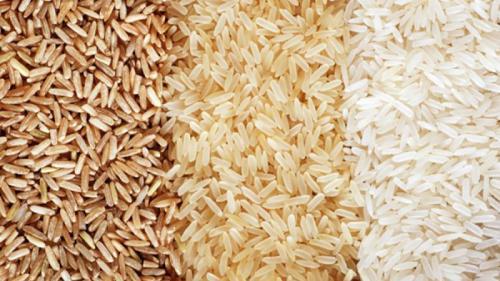 Cum să deosebeşti orezul din plastic de cel natural. 4 metode eficiente de verificare a calităţii orezului