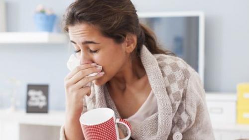 Cum să recunoaștem diferența dintre o răceală și gripă. Cele mai frecvente simptome