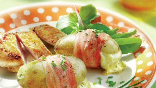 Rețeta zilei: Cartofi noi în bacon