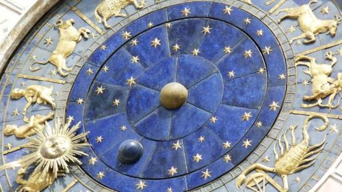 Horoscop zilnic 20 martie 2018: Berbecii vor avea o întâlnire romantică