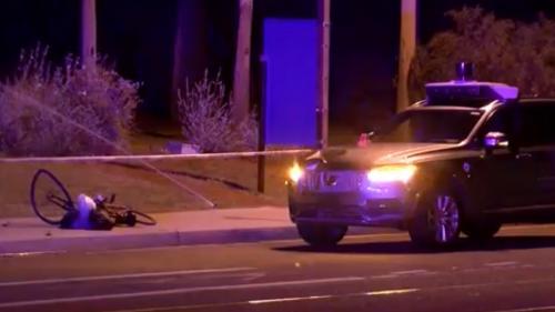Primul accident mortal provocat de un taxi autonom (fără șofer)