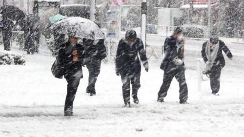 AVERTIZARE meteo! Cod galben şi portocaliu de ninsori, viscol şi ger până pe 23 martie
