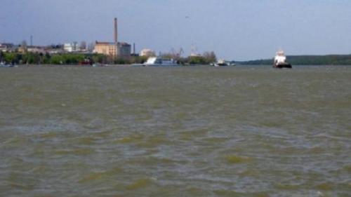 Cod portocaliu de inundaţii pe Dunăre, în 8 judeţe, de joi dimineaţa