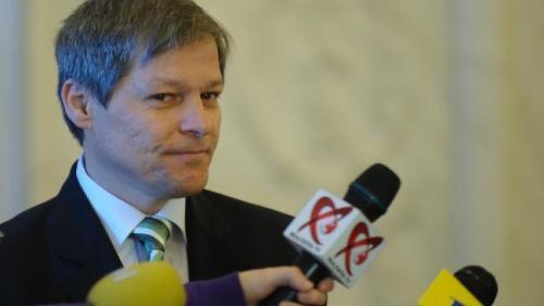 Dacian Cioloş va depune dosarul pentru înfiinţarea unui partid politic