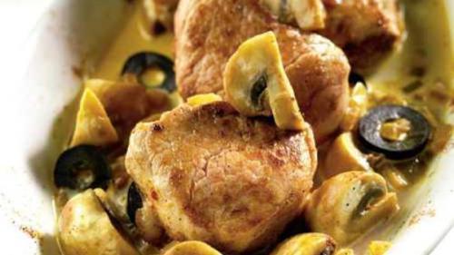 Reţeta zilei: Mușchiuleț de porc cu ciuperci și măsline