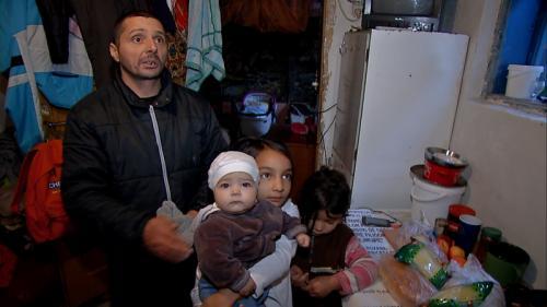 Un român din 70 este asistat de stat. Asistat să moară de foame
