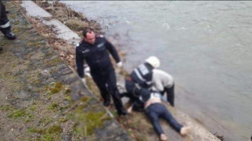 Un brașovean a murit după ce a fost aruncat în râul Săsar