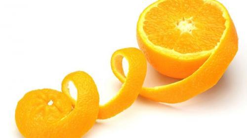 Uluitoarele întrebuințări ale cojilor de portocale, de la cosmetică la artă și de la medicină la sursă de îngrășământ agricol