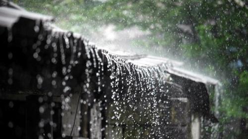 Gluma zilei: Ion, Măria și ploaia