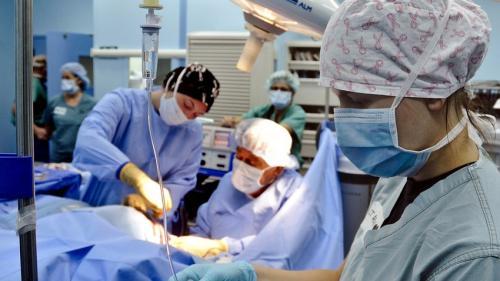 Transplantul pulmonar de la Spitalul Sfânta Maria s-a terminat cu bine. Urmează perioada critică