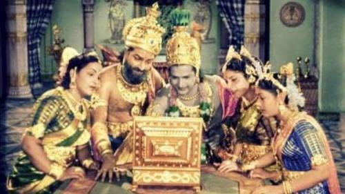 Un politician indian care susține că internetul a fost inventat în India antică a ajuns ținta glumelor tuturor
