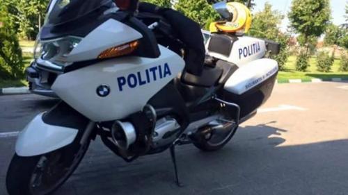Poliţist pe motocicletă, accidentat de un şofer neatent în Capitală