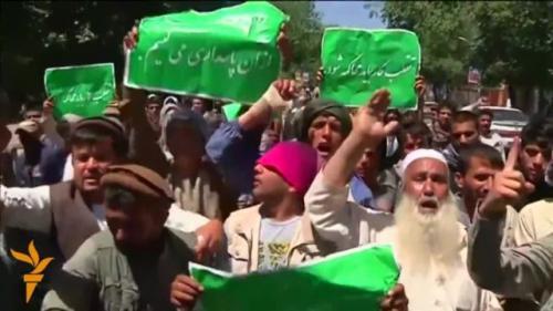 Proteste la Kabul după ce un convoi al NATO a accidentat mortal un copil