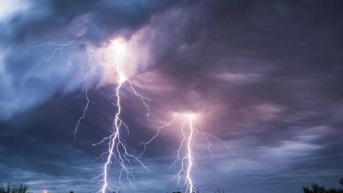 Avertizare ANM. Cod galben de furtună pentru Capitală, până la ora 19:00