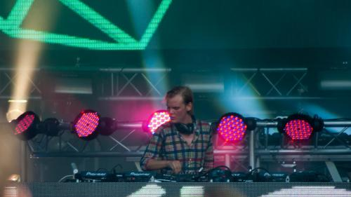 Familia DJ-ului Avicii mulţumeşte fanilor pentru sprijinul acordat