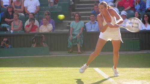 Maria Şarapova, eliminată de Caroline Garcia în primul tur la Stuttgart