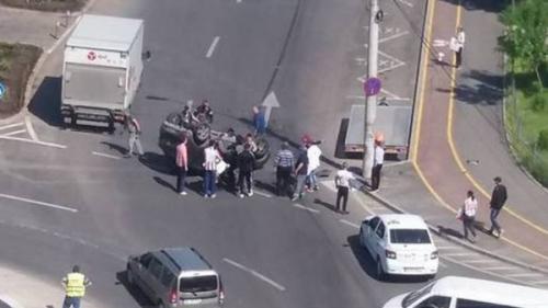 Caz incredibil la Galaţi! O femeie cu o alcolemie record s-a răsturnat cu maşina într-o intersecţie