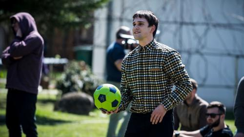 """Ce face Vlad Gherman în pauzele de la filmările pentru """"Fructul oprit"""""""