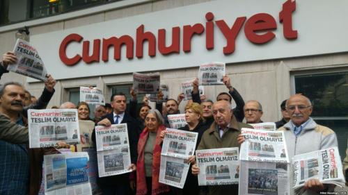 Mai mulţi jurnalişti anti-Erdogan au fost acuzaţi de terorism