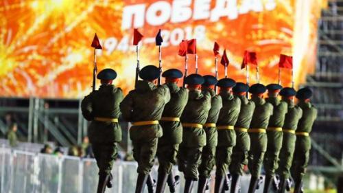 FOTO Moscova: Repetitie nocturna pentru parada de 9 Mai
