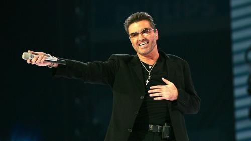 Familia lui George Michael le cere fanilor să ridice obiectele omagiale din faţa locuinţelor sale