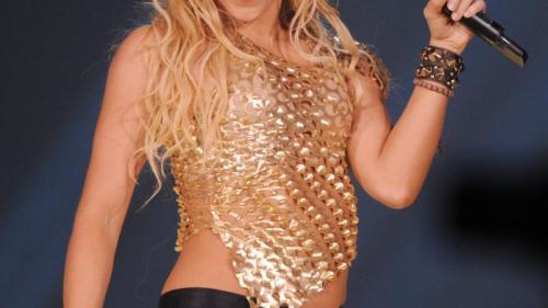 Shakira porneşte într-un turneu care va străbate şapte ţări din America Latină