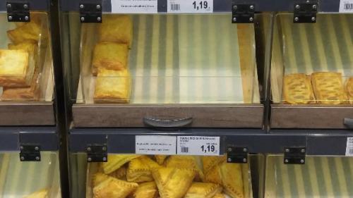 Aluatul congelat, vândut ca pâinea caldă