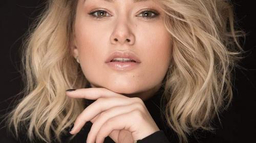Anunț surpriză al unei cunoscute cântărețe din România. Este însărcinată cu primul ei copil