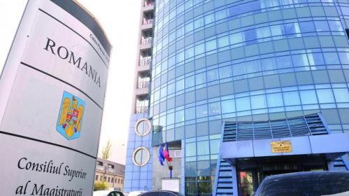 CSM a decis suspendarea judecătoarei Elena Burlan-Puşcaş, arestată la domiciliu într-un dosar de corupţie