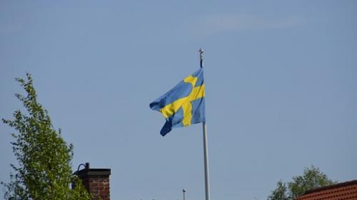 Suedezii au primit broșuri oficiale care îi pregătesc de război
