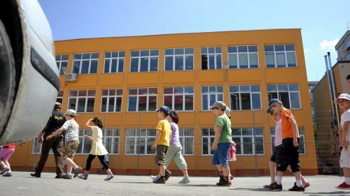 13.000 de copii din 7 județe au rămas singuri după ce părinții lor au plecat la muncă în străinătate