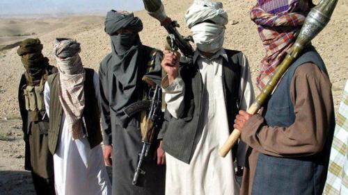 Cel puţin 12 membri ai forţelor afgane, ucişi în atacuri ale talibanilor în estul ţării