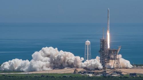 Falcon9: Sapte sateliti dintr-o singura lansare!