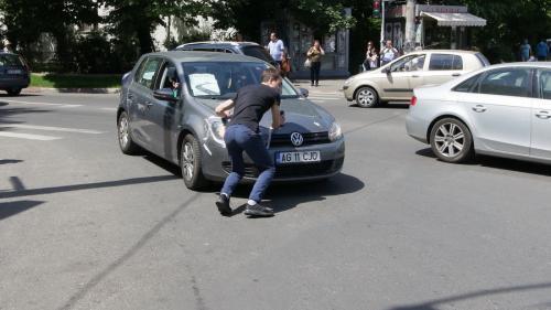 GALERIE FOTO - Simularea unui accident rutier grav