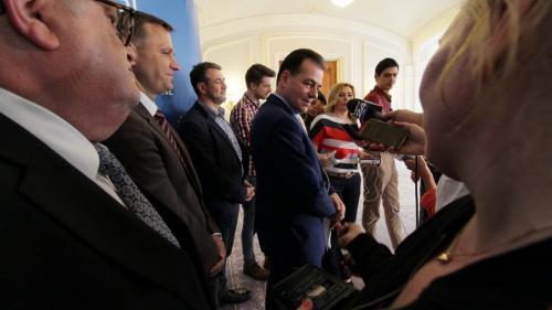 Liberalii au votat pentru susţinerea demersului preşedintelui PNL privind plângerea penală împotriva premierului
