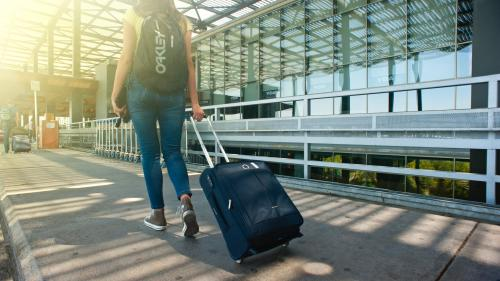 Pleci in vacanta? Afla ce perechi de incaltaminte NU trebuie sa iti lipseasca din bagaj!
