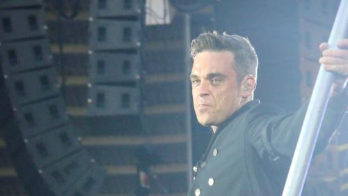 Robbie Williams lucrează la un musical bazat pe best-seller-ul The Boy in the Dress