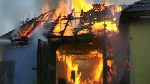 O bătrână din Vaslui și-a pierdut viața într-un incendiu izbucnit la locuinţa sa