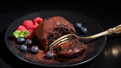 Reţeta zilei: Negresă cu ciocolată şi sos de afine şi scorţişoară