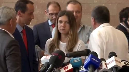 Campioana noastră Simona Halep a ajuns acasă