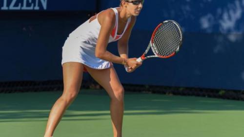 Tenis: Mihaela Buzărnescu, în sferturile probei de dublu la Nottingham (WTA)