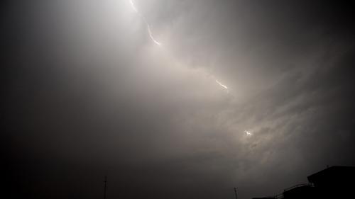 Cod portocaliu de ploi torenţiale şi vijelie în judeţul Tulcea, sâmbătă după-amiază