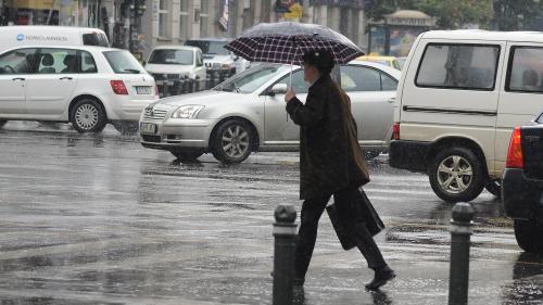 Avertizare ANM: Informare de instabilitate atmosferică pentru cea mai mare parte a ţării, până la ora 21:00