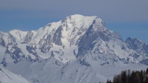 Un alpinist israelian a murit în Alpii Elveţieni după ce a alunecat pe gheaţă