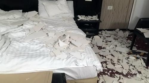 Băile Felix - O turistă a fost rănită după ce tavanul camerei de hotel a căzut peste ea